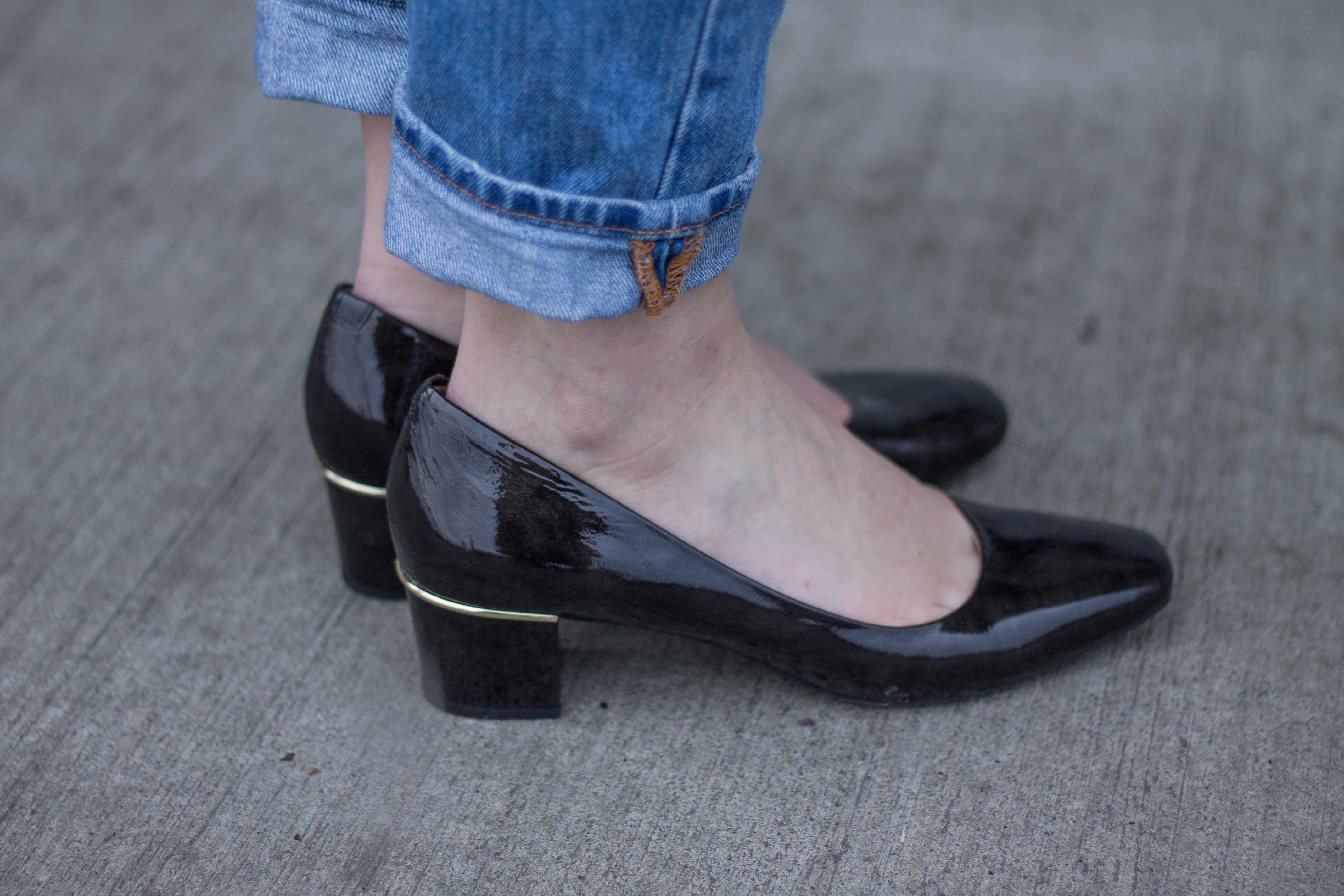 Mom Jeans meet Granny Shoes