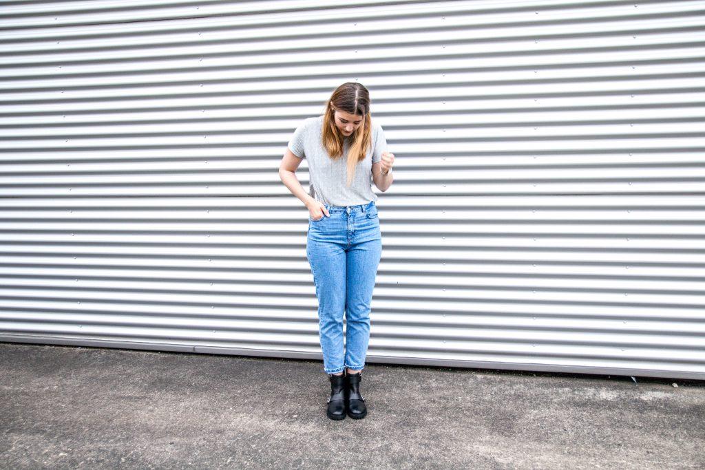 Fashion-Blogger-Fashionblogger-Fashionblog-Modeblog-Outfit-Inspo-Streetsyle-Zara-Mango-Boots-Mom-Jeans-Denim