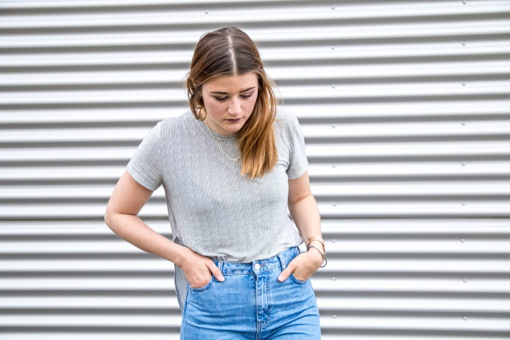 Fashion-Blogger-Fashionblogger-Fashionblog-Modeblog-Outfit-Inspo-Streetsyle-Zara-Mango-Boots-Mom-Jeans-Denim-3