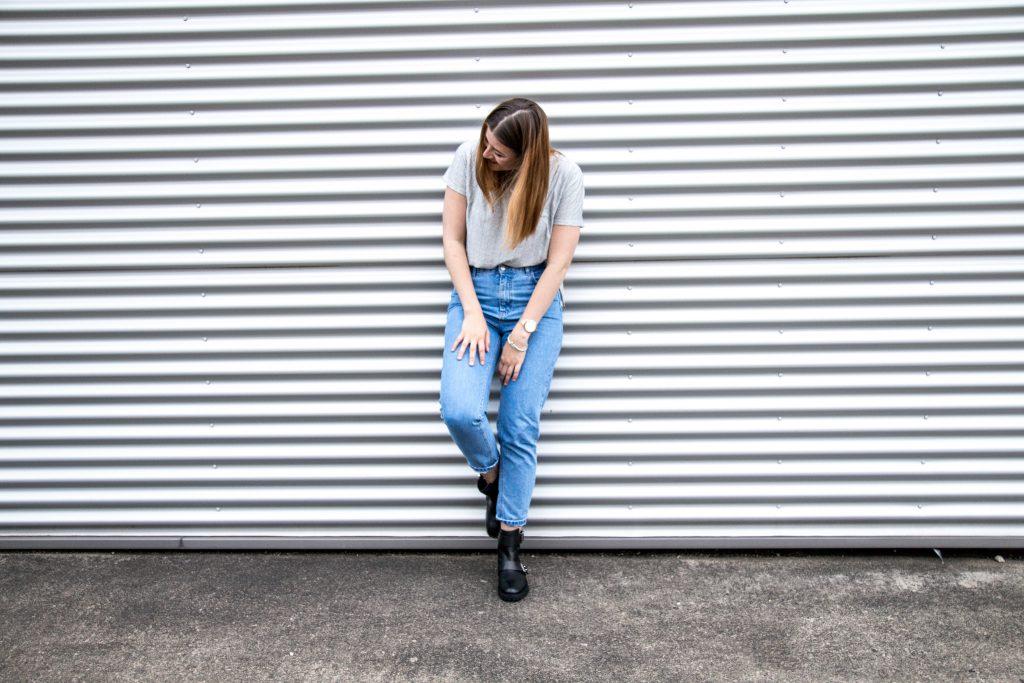 Fashion-Blogger-Fashionblogger-Fashionblog-Modeblog-Outfit-Inspo-Streetsyle-Zara-Mango-Boots-Mom-Jeans-Denim-5