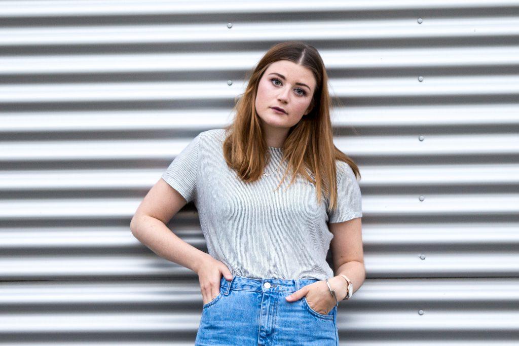 Fashion-Blogger-Fashionblogger-Fashionblog-Modeblog-Outfit-Inspo-Streetsyle-Zara-Mango-Boots-Mom-Jeans-Denim-8